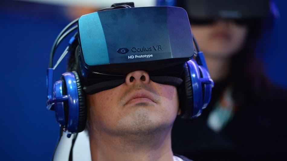 En 2014, Facebook adquirió Oculus VR por dos mil millones de dólares.