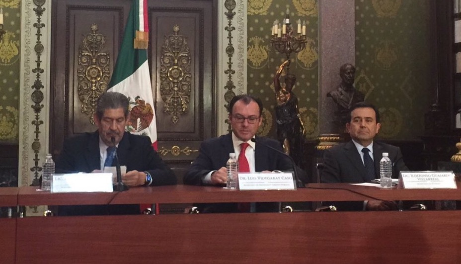Actuaremos en el mercado de cambios solo ante una actividad desordenada que afecte al peso, dijo Roberto del Cueto, subgobernador del Banco de México