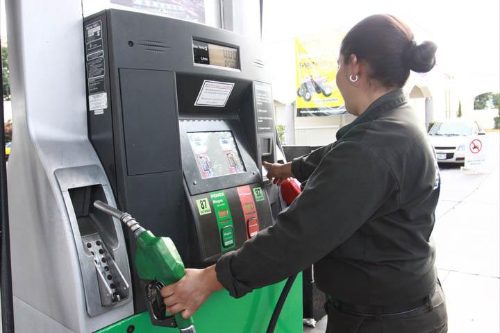 En julio los mexicanos comenzaran a pagar la gasolina 10% más cara que al inicio del sexenio.
