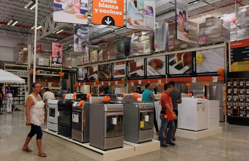 Los mexicanos limitaron sus compras de muebles y aparatos electrodomésticos en junio.