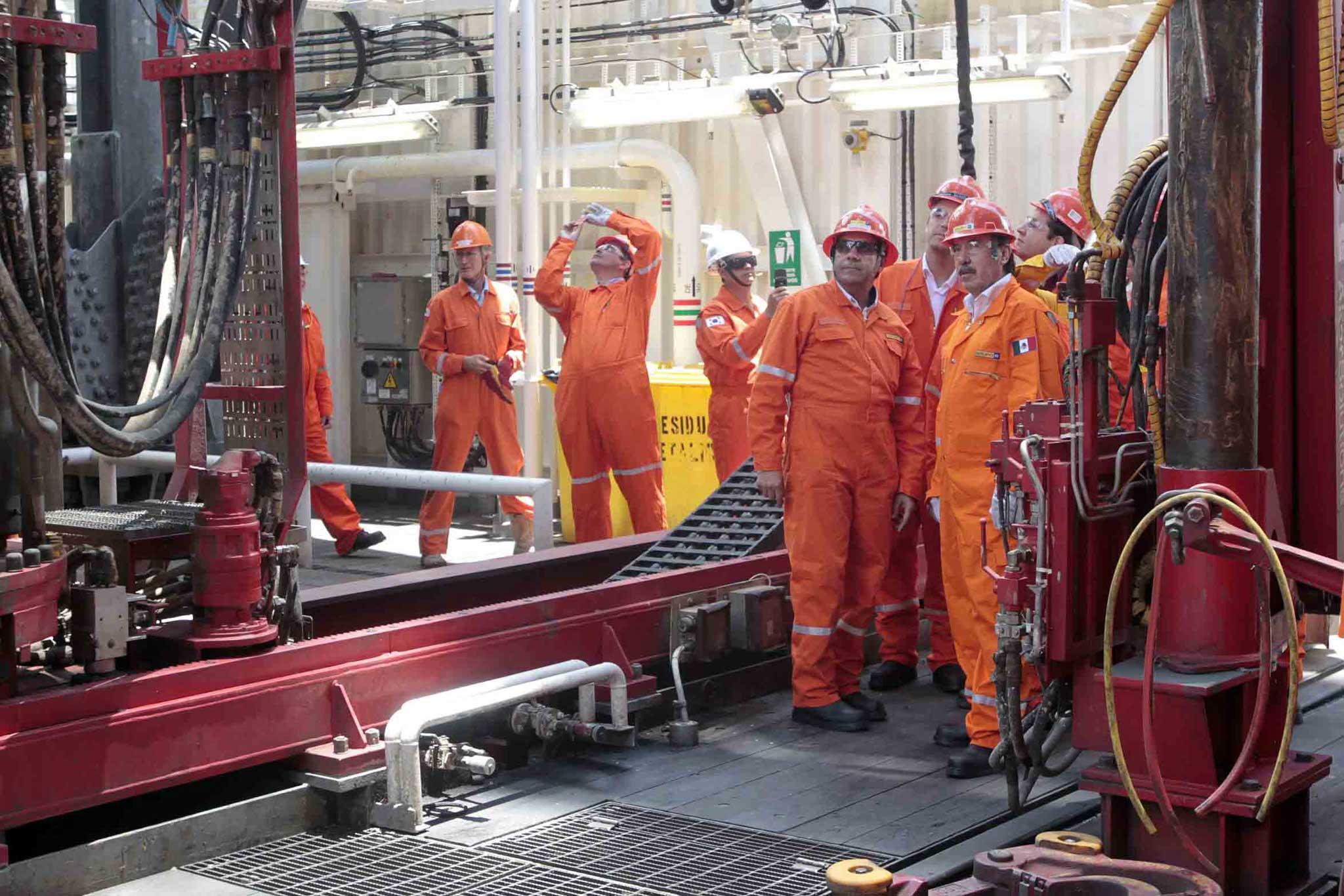 El 10% de los trabajadores en activo de PEMEX para 2015 se jubilaron antes de que la reforma energética surtiera efecto.