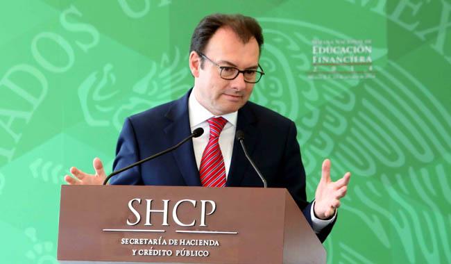 A un día de que el gobierno entregue su Plan Económico para 2017, Luis Videgaray, titular de Hacienda, presentó su renuncia.