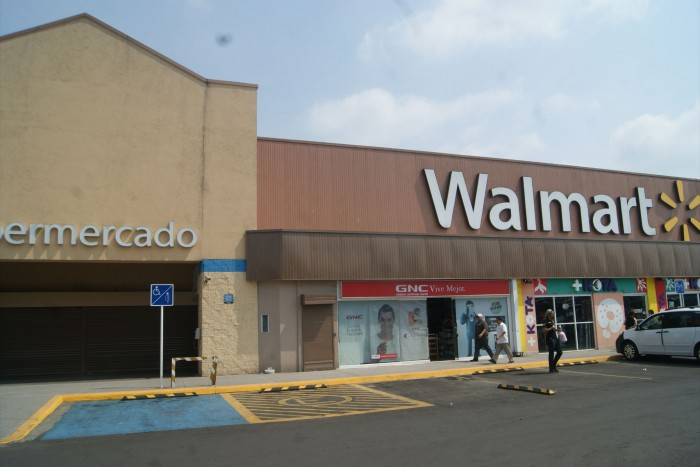 En 2016 Walmart se posicionó en el lugar número dos de la lista de empresas que registran el mayor número de quejas de sus consumidores a nivel nacional.