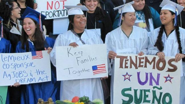 A nivel universitario se ha detectado la necesidad de diseñar cursos remediales para los jóvenes deportados.