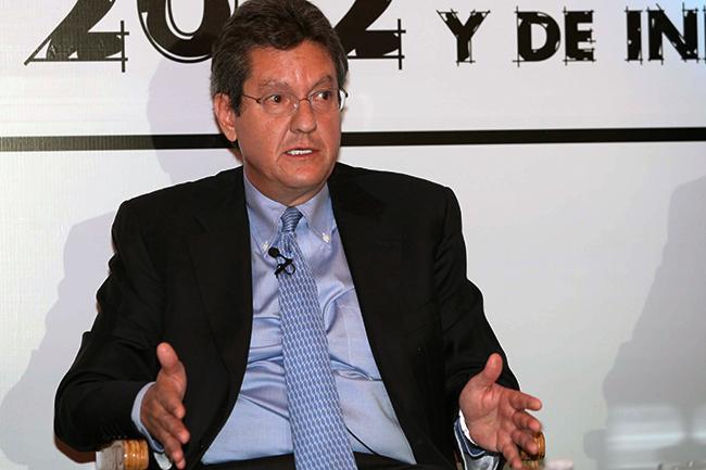 Hace 12 años Jonathan Davis, director de la CNBV, enfatizó en la necesidad de dar autonomía al ente regulador.