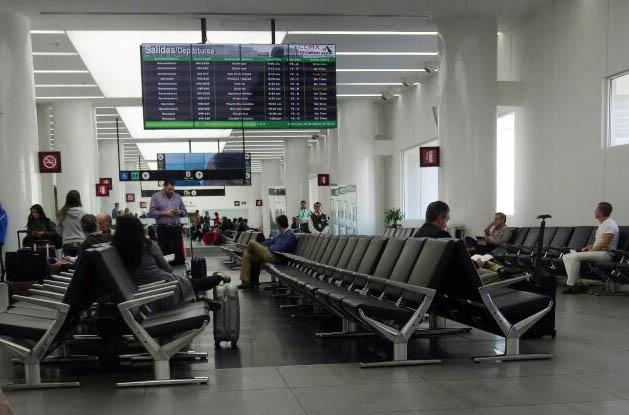 1 de cada 26 mil clientes de VivaAerobus no suben al avión por cuestiones de sobreventa de asientos.