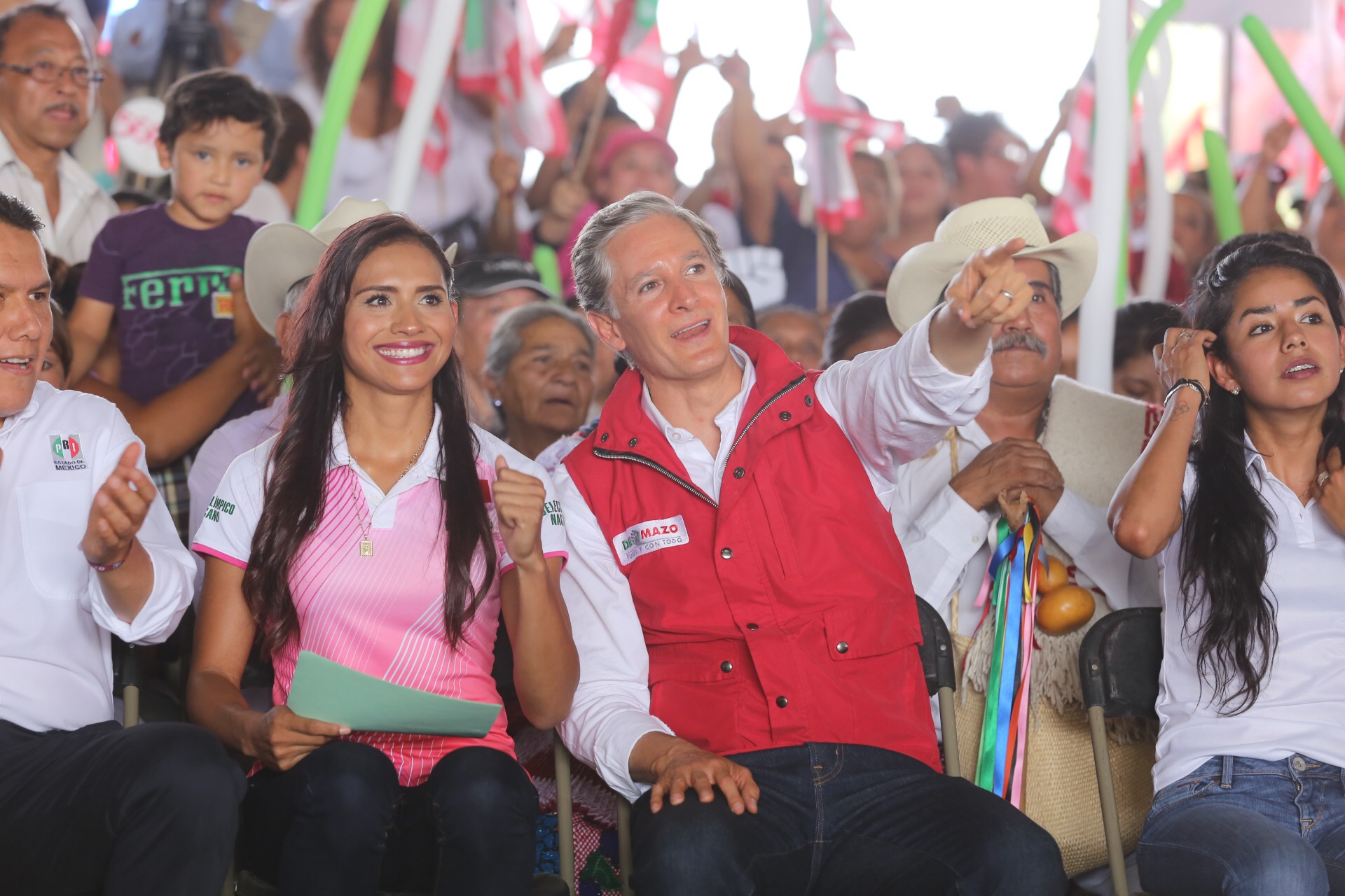 El candidato del PRI al Edomex busca el voto femenino con la propuesta de
