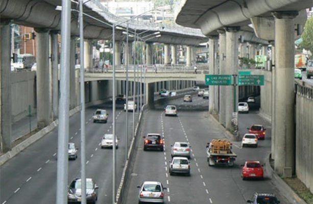Multa por infringir Hoy No Circula va de los 1,433.60 pesos a los 2,150.40 pesos, más el cargo de arrastre del carro hacia al corralón.