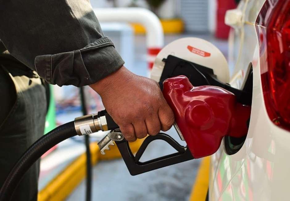 En la Ciudad de México, la gasolina de menor octanaje se venderá en un máximo de 15.87 pesos por litro.