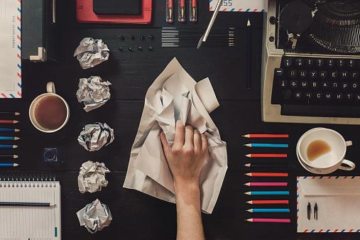 El proceso creativo no siempre suele ser caótico y, en el caso de estos genios, tenía ciertos requisitos fundamentales.