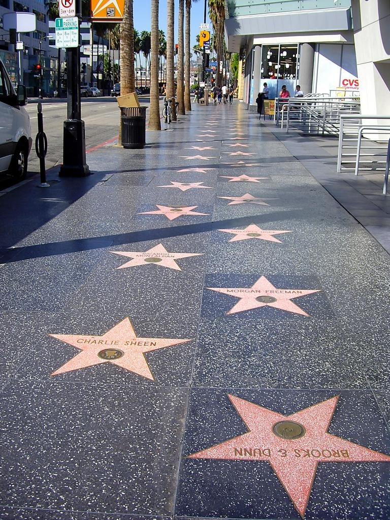 los más renombrados actores, cantantes, compositores, directores, productores