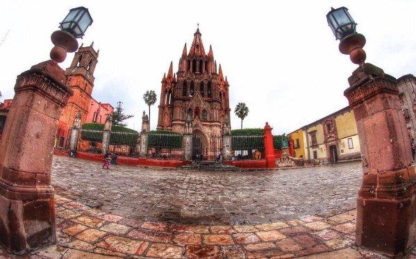 La belleza de San Miguel de Allende cautivó a los turistas internacionales.