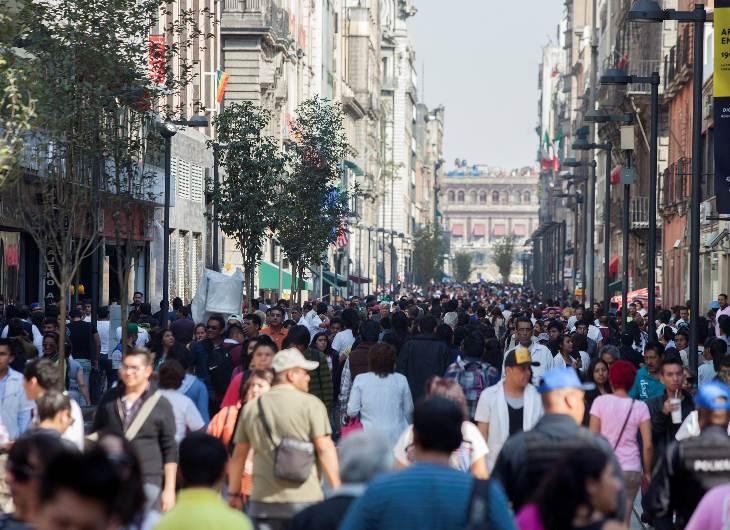 Caminar no es una de las costumbres más arraigadas de los mexicanos, a pesar de los beneficios para la salud que genera.