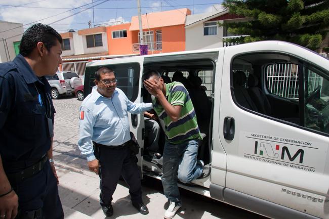 En varios estados del país se realizan redadas para detener indocumentados, como sucede en EU.