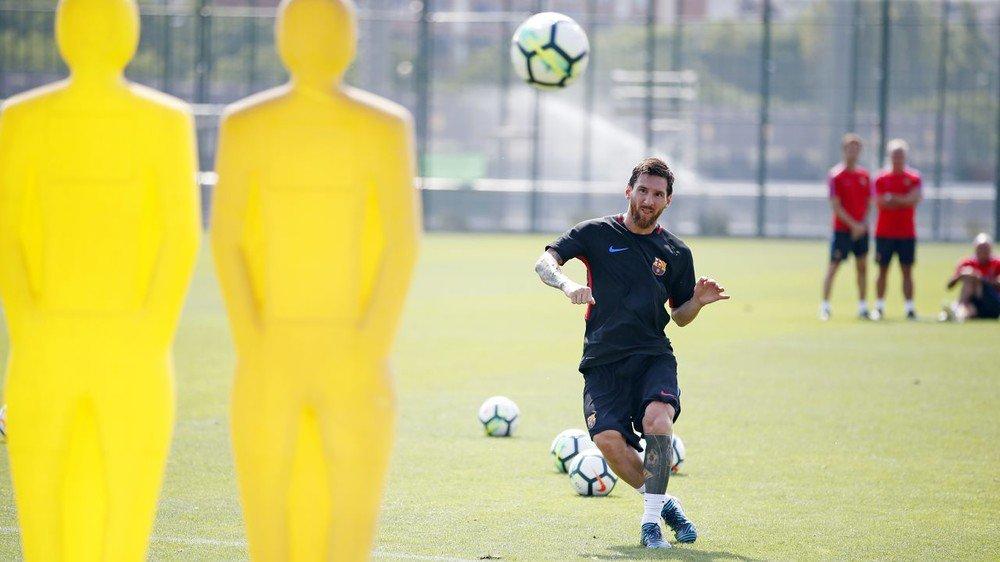 Barcelona y Chapecoense se enfrentan por el Trofeo Joan Gamper en el Camp Nou