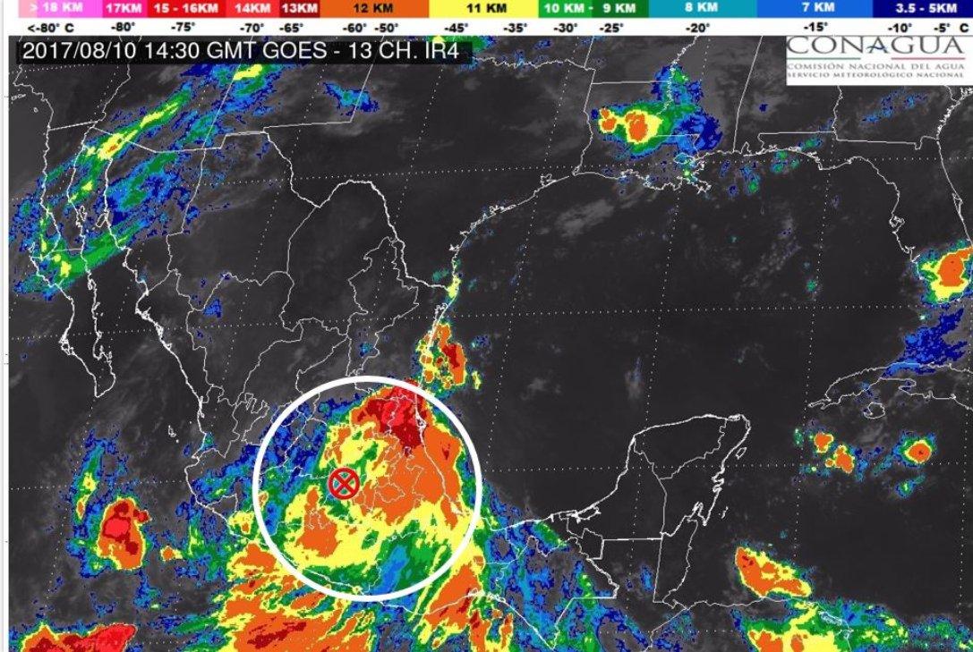 Franklin toco tierra como huracán y degrado en tormenta tropical