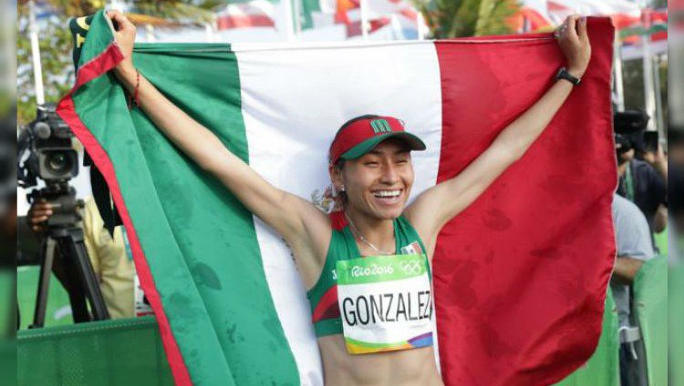 Lupita González, primer mexicana en conseguir medalla en marcha en un mundial