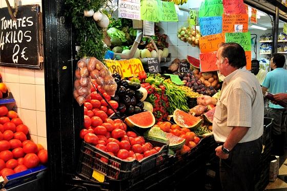 En México la inflación se refleja en productos de supervivencia como frutas y verduras.