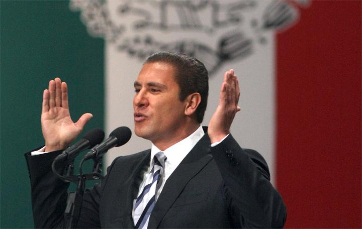 Rafael Moreno Valle se enfrenta a la contienda para ser el abanderado del Frente Ciudadano por México.