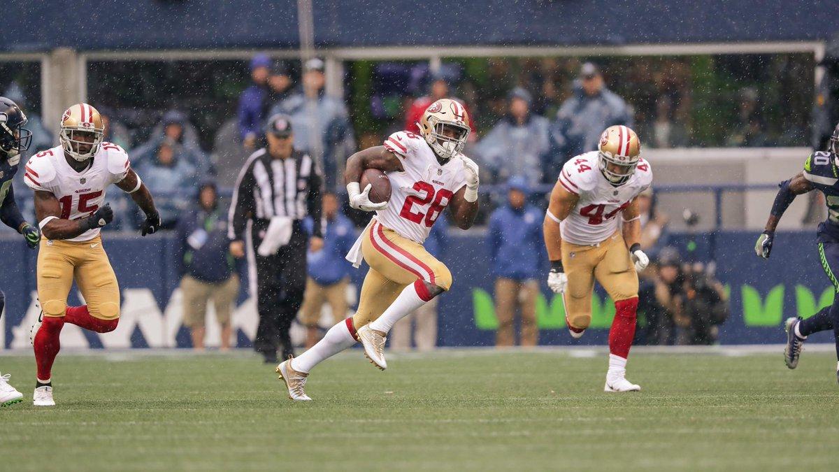 49ers y Rams chocan en duelo divisional en el inicio de la Semana 3