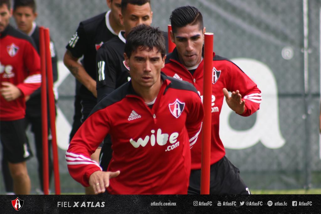 Atlas y Veracruz se enfrentan en la cancha del estadio Jalisco