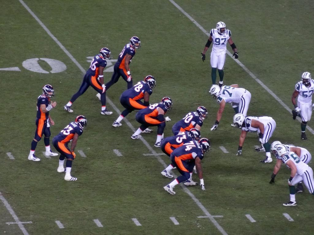 Broncos de Denver contra Raiders. Foto: Broncos/Flickr