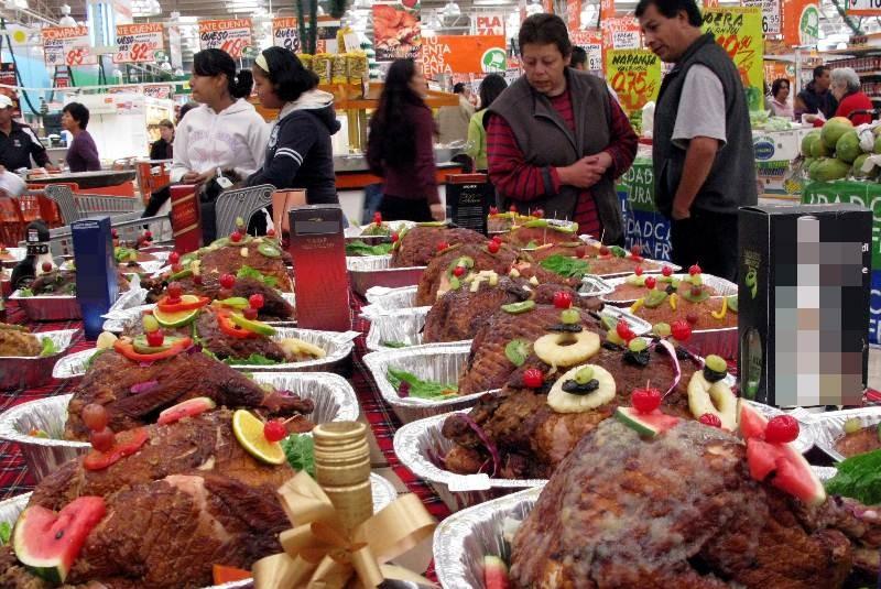 En la cena navideña los mexicanos pueden consumir hasta 2 mil 500 calorías, las necesarias para todo un día.