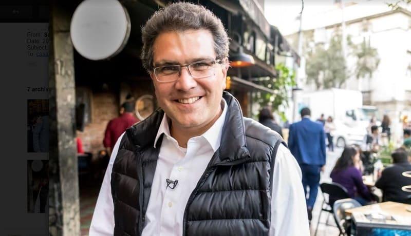 Armando Ríos Piter, pre candidato presidencial por la vía independiente.