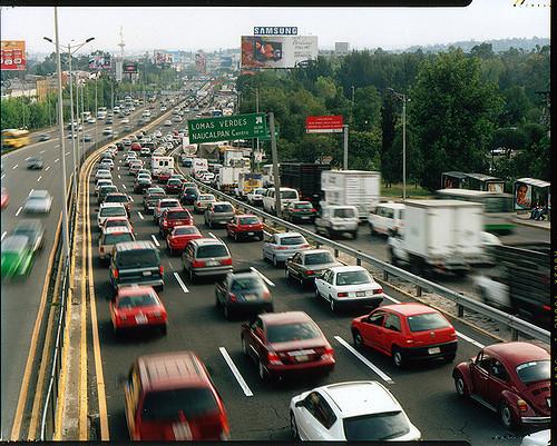 Hoy No Circula, 27 de diciembre. Foto: Avenida Lomas Verdes/Wikimedia