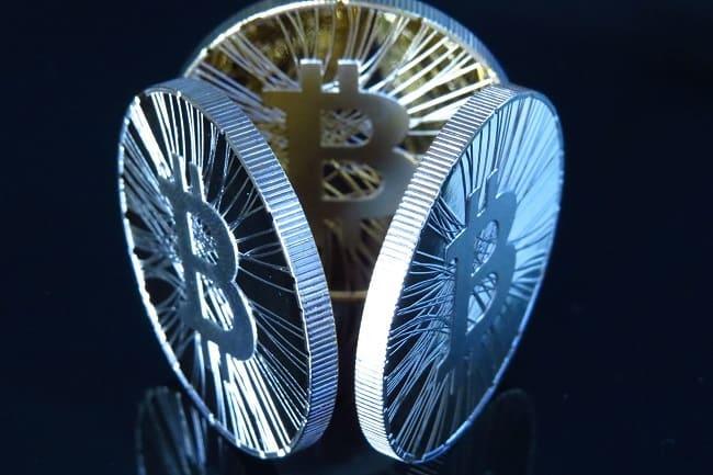 En tan solo unos minutos el precio del Bitcoin puede elevarse o disminuir de una manera impredecible.