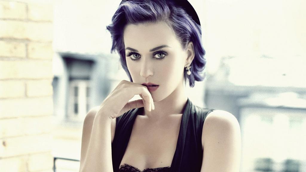 Katy Perry habla de sus cirugías estéticas. Foto: Flick / annefegurasin