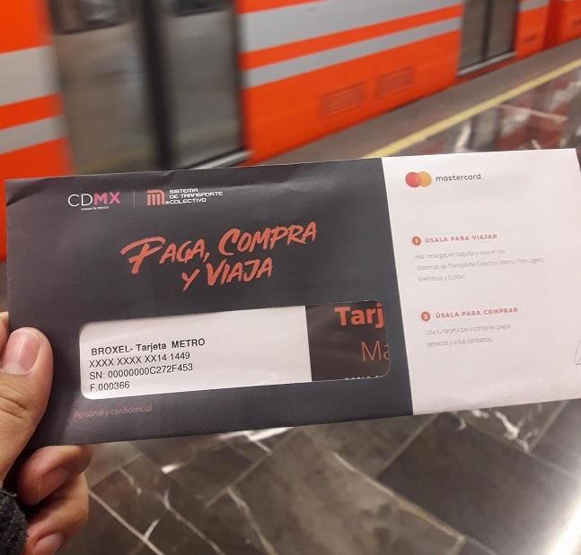 La nueva tarjeta de metro es a la vez una tarjeta de crédito si decides activarla.