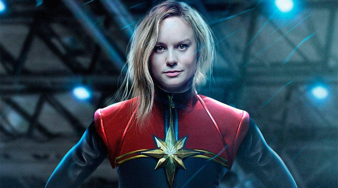 Por primera vez Brie Larson usa el traje de Capitán Marvel.