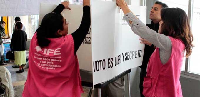 Losciudadanos que nacieron en los meses de febrero y marzo, formarán parte de una base para la selección de los 1.4 millones de funcionarios de casilla en la jornada electoral del próximo 1 de julio.