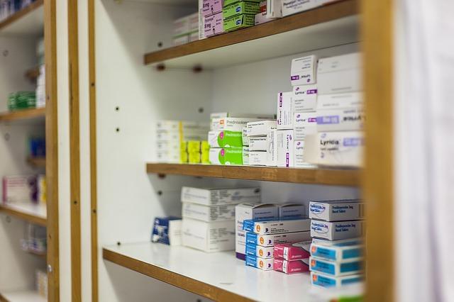 Los farmacéuticos ahora deberán ser expertos en medicamentos al contar título profesional. Foto: Pixabay