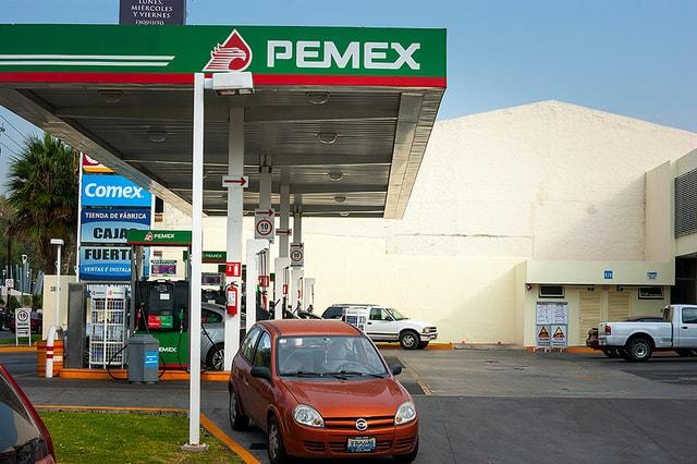 El gobierno renunció a 67 mil 934 millones de pesos para intentar mantener bajo el precio de la gasolina.