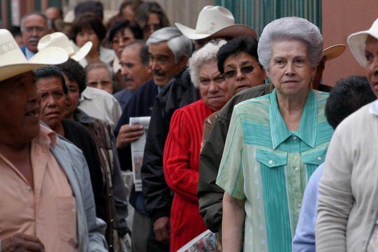 Se estima que alrededor de 2.5 millones mexicanos mayores de 65 años no tiene ingresos por algún sistema de pensión.