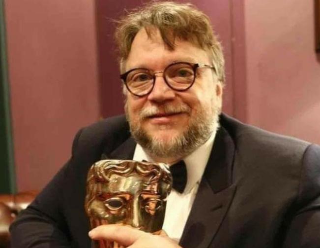 Guillermo del Toro se llevó el galardón a Mejor Director en los premios Bafta. Foto: Instagram