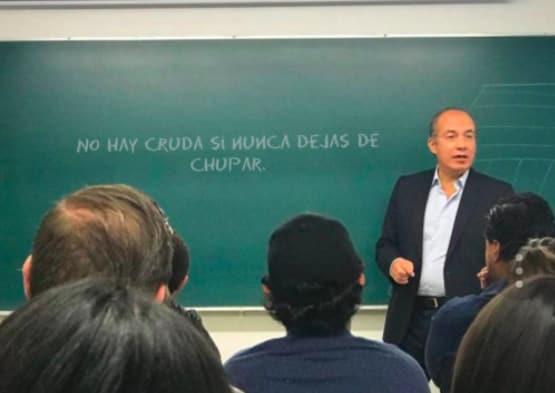 Las clases de Felipe Calderón en el ITAM inspiraron hasta un generador de memes en línea.