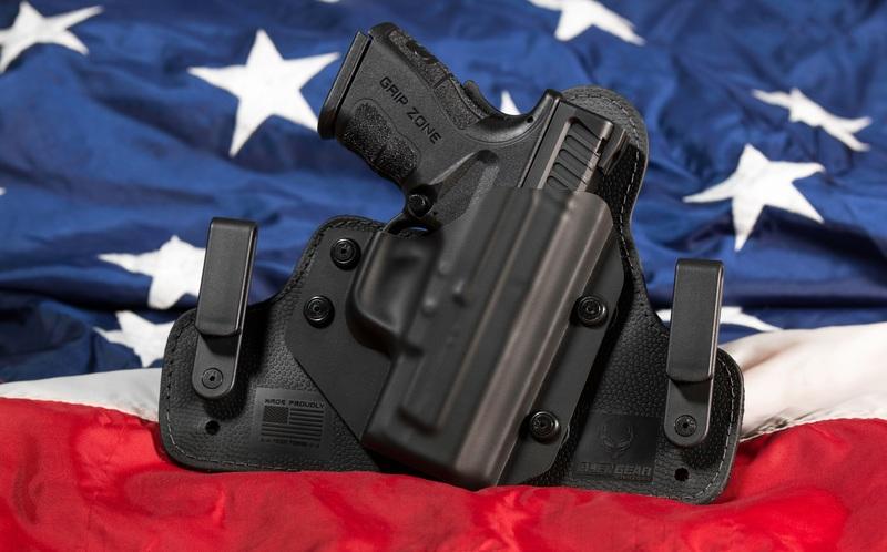 La polémica propuesta surgió de la voz de un padre, cuya hija es sobreviviente de la masacre de Florida