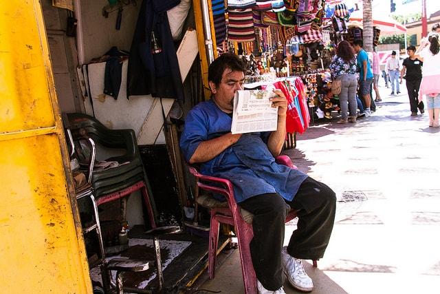 Dos de cada 10 habitantes de Tijuana laboran en el comercio y menos del 1% en actividades primarias.