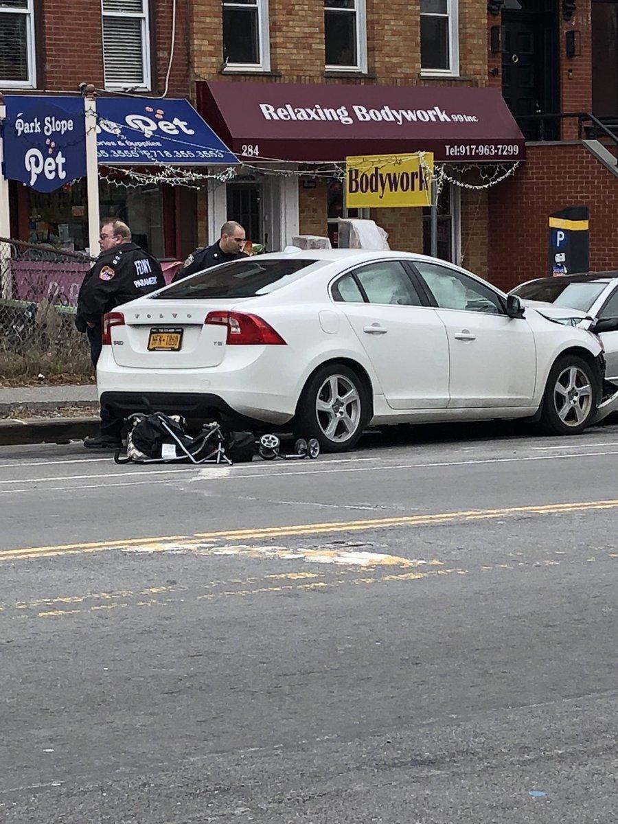 Foto: Accidente en Brooklyn, Nueva York/Twitter @leahfinnegan