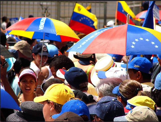 Los venezolanos que tramitaron su tarjeta de residencia permenente aumentaron en 18% en comparación con el 2013