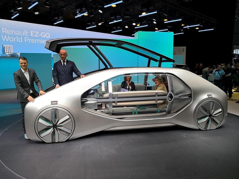 Renault presenta un auto robotizado