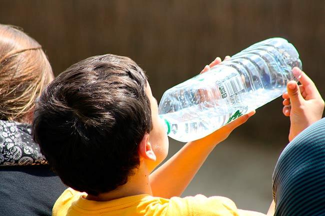 Posibles soluciones a la escasez de agua van desde racionamiento hasta ciudades enteras que aprovechan las lluvias
