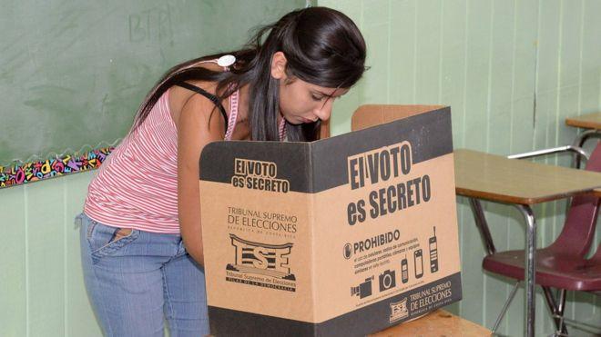 El temor de convertirse en la próxima Venezuela, invade el voto latinoamericano. (Foto:AFP)