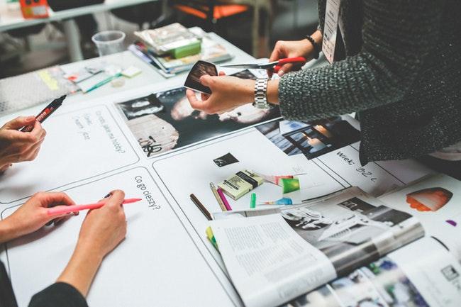 Los diseñadores gráficos tienen un desempeño peor al de la media nacional en informalidad laboral, ocupación y desempleo