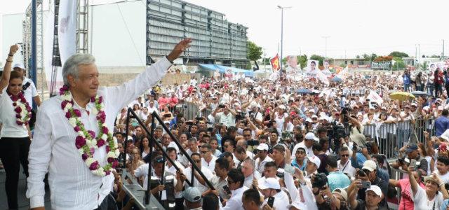 Andrés Manuel López Obrador en su cierre de campaña, la última de su vida según declaró. (@lopezobrador_)