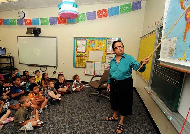 Solo la mitad de los hispanos de segunda generación en EU se consideran bilingües (Foto: Naoto Anazawa)