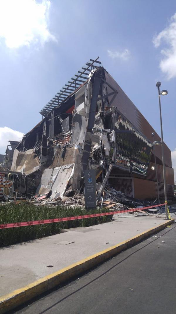 Derrumbe en Plaza Comercial al Sur de la CDMX Foto: Twitter @FaustoLugo